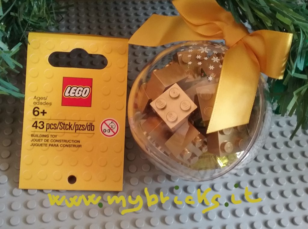 Lego 853345 - Seasonal Gold Bauble Content: - 14 bricks dark tan 2x2 - 14 bricks metallic gold 2x2 - 12 bricks transparent yellow 2x1