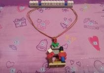 Lego Friends Hearth necklace Day #4